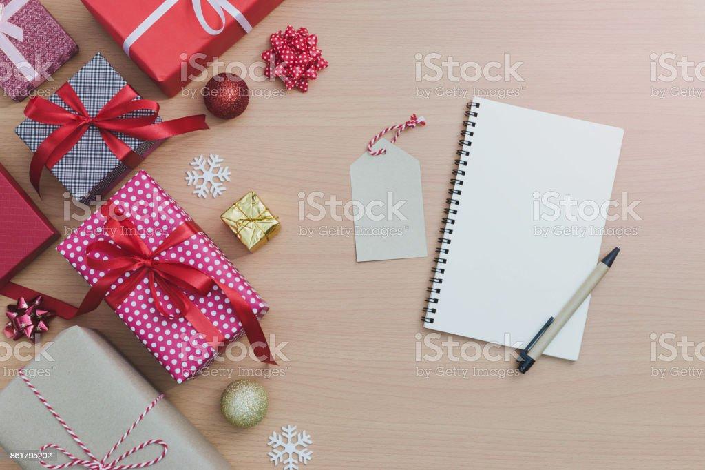 Buch Geschenk Weihnachten.Beachten Sie Buch Stift Und Papiertag Mit Weihnachten Und Neujahr