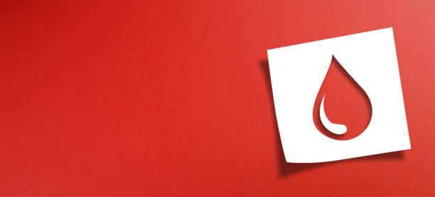 notera papper med blodgivningskoncept på röd bakgrund - ge bildbanksfoton och bilder