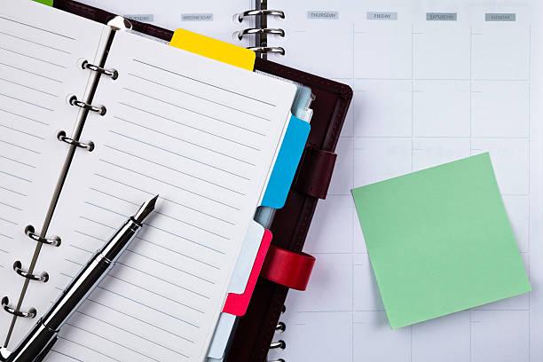 Notebook mit Füllfederhalter – Foto