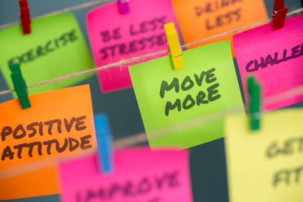 notes concept for motivation for move more to stay healthy or lose weight - foto stock