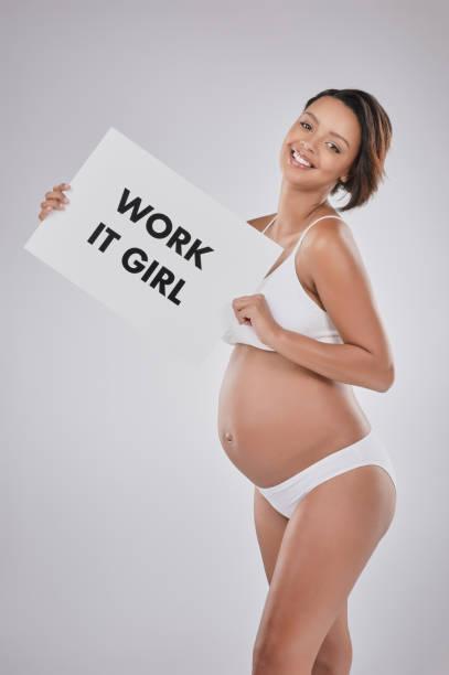 nutzen sie nichts schöneres als schwangerschaft, es! - sprüche zur schwangerschaft stock-fotos und bilder