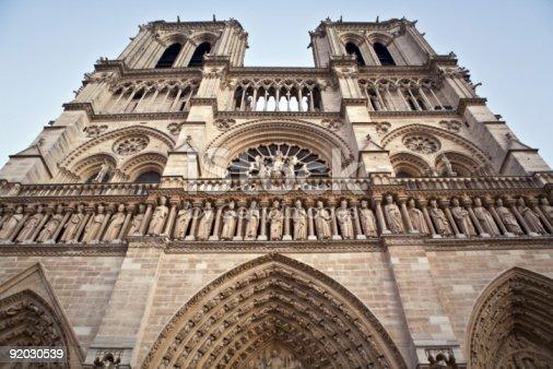 istock Notre-Dame 92030539
