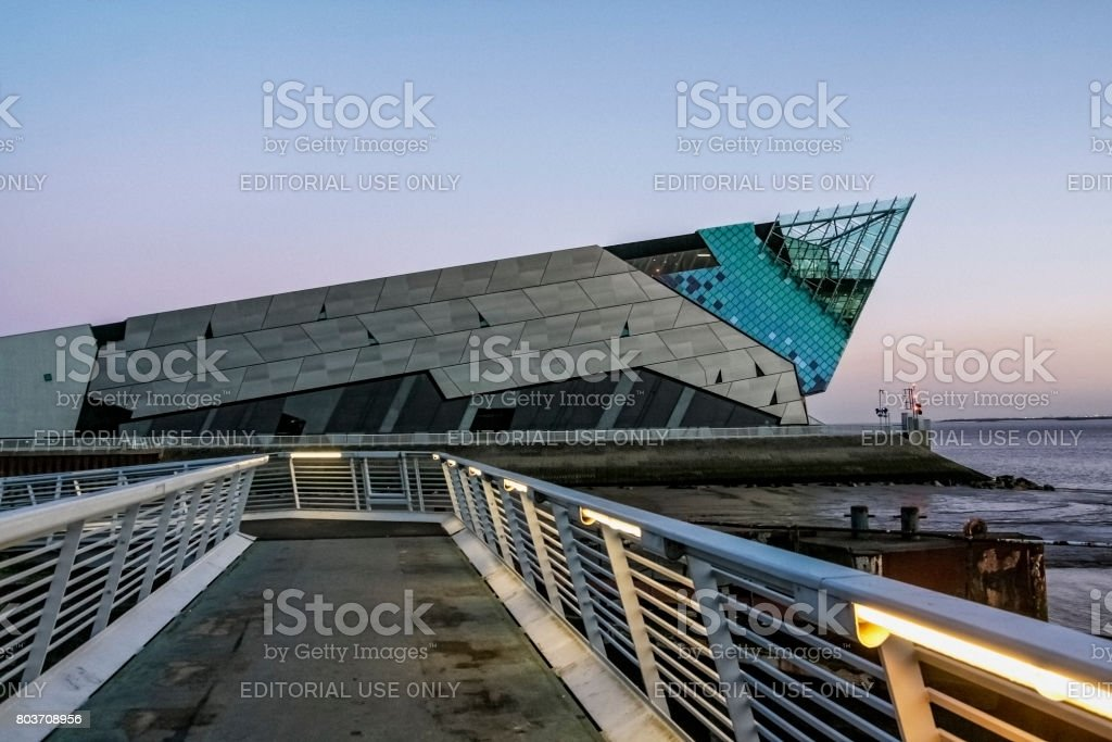 Nottingham canal and British Waterways building.The Deep Aquarium in Hull in England stock photo