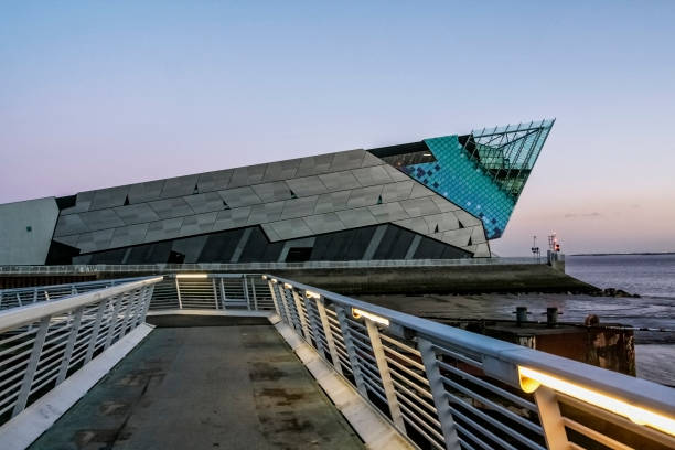 nottingham canal and british waterways building.the deep aquarium in hull in england - hull stock pictures, royalty-free photos & images