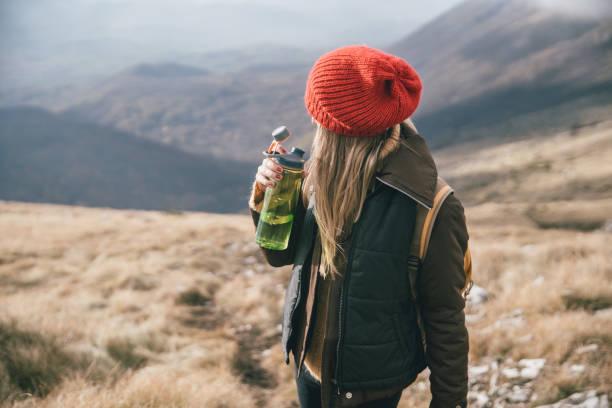 休息できお楽しみくださいアイブが頂点に達した今、 - 自然旅行 ストックフォトと画像