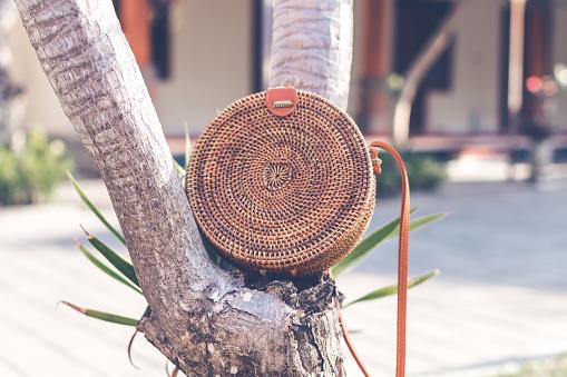 Naakt Natuurlijke Organische Handgemaakte Rotan Handtas Closeup Stockfoto en meer beelden van Achtergrond - Thema