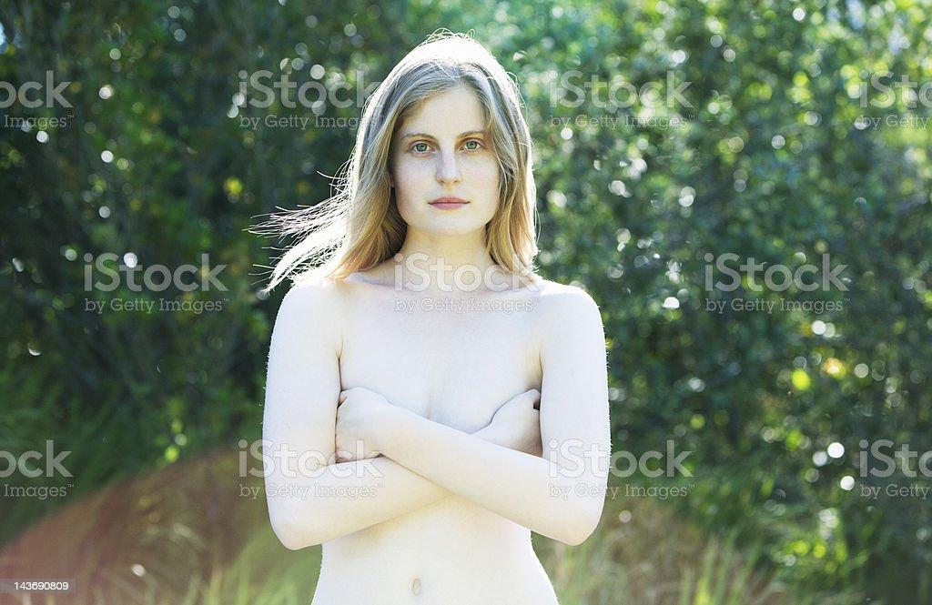 foto nuda di ragazza adolescente