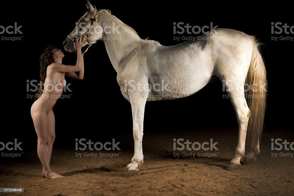 frau nackt auf pferd