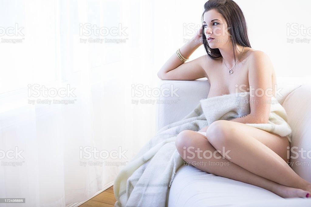 Nude girl shaking it-9187