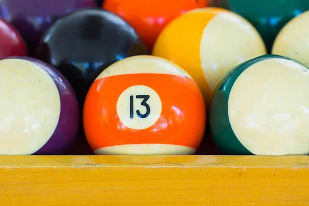 zahl 13 ball - number 13 stock-fotos und bilder