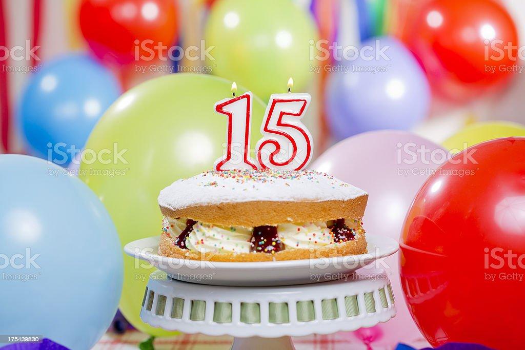 Zahl 15 Geburtstagstorte – Foto