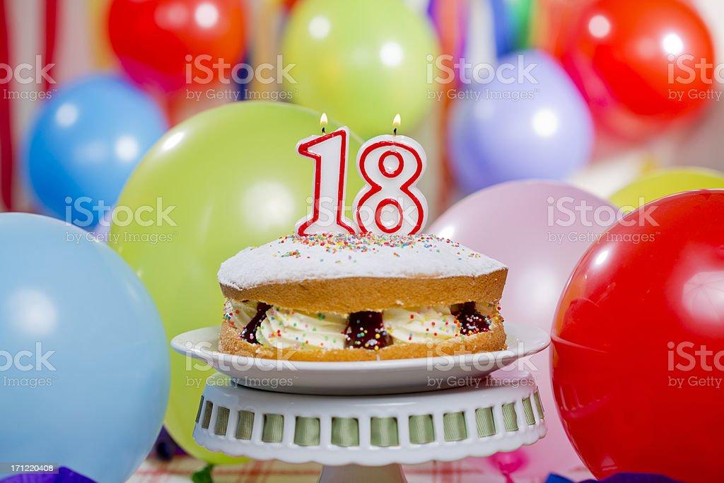 Number 18 Kerzen Kuchen – Foto