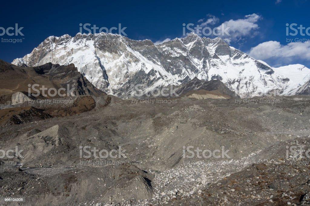 Nuptse mountain peak in Everest region, Nepal - Стоковые фото Moraine роялти-фри