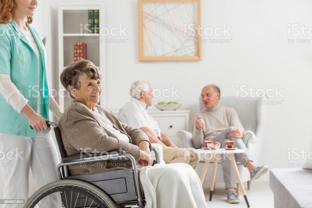 Nurse and disabled woman Lizenzfreies stock-foto