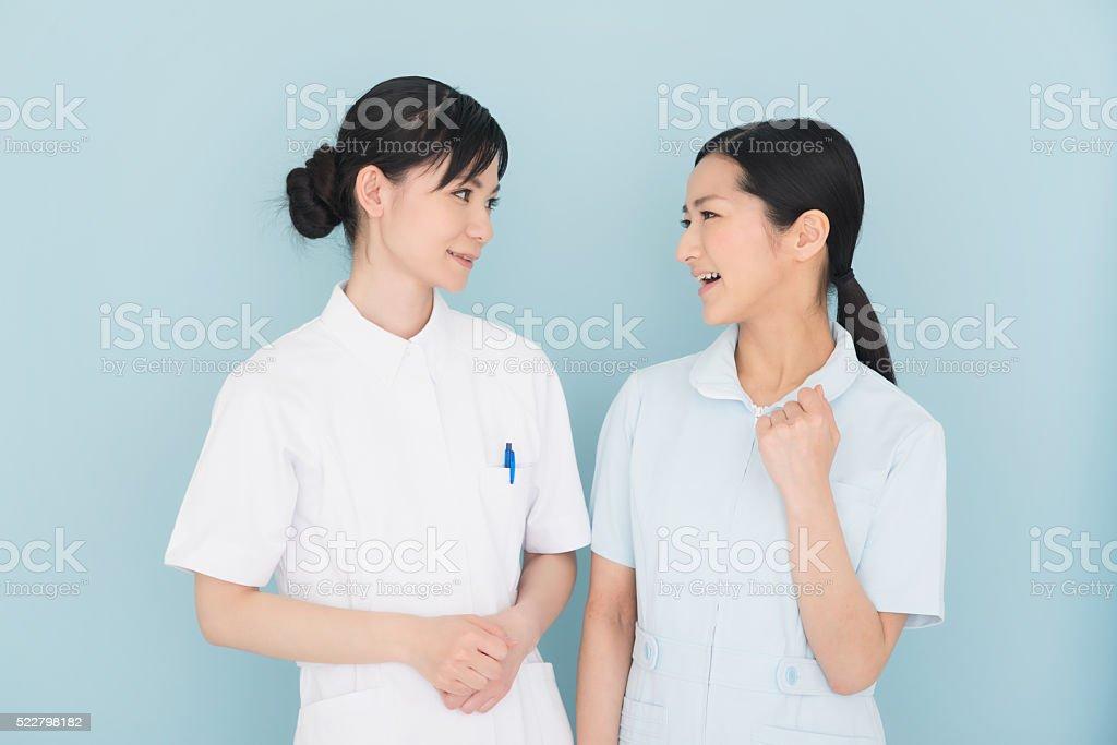 看護師またはヘルスケアワーカー - 2人のロイヤリティフリーストックフォト