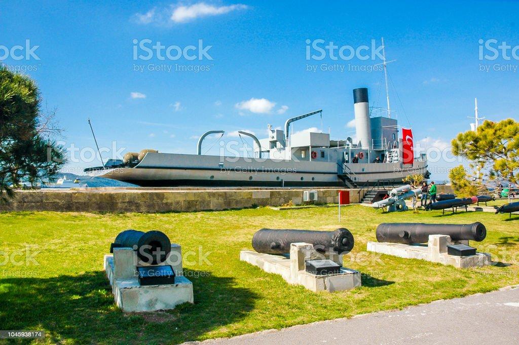 Abdelmajid Mine navire du côté de l'Anatolie à Canakkale - Photo