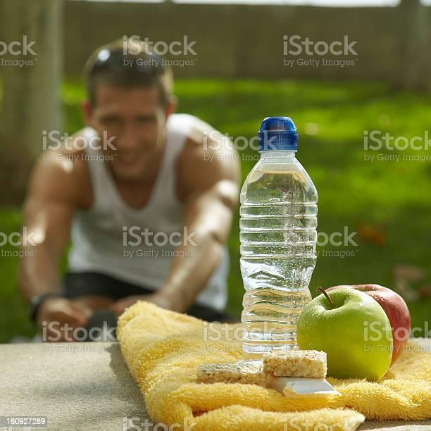 Nutrición E Hidratación Después Del Deporte Foto de stock y más banco de imágenes de Actividad