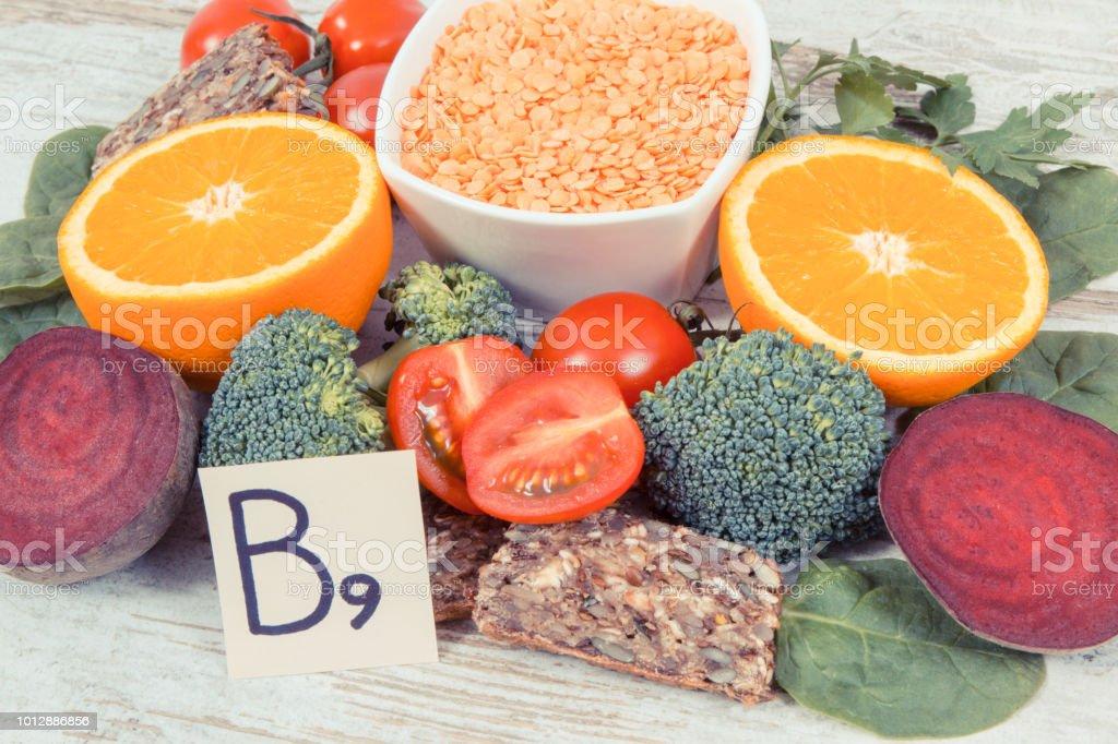 fd581c26947c Nutritifs différents ingrédients contenant la vitamine B9, de minéraux  naturels et de l acide