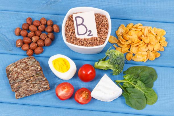 Nährstoffe mit Vitamin B2, natürlichen Mineralien und Ballaststoffen, gesunde Ernährung – Foto