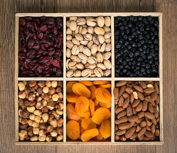 Noix et fruits séchés. - Photo