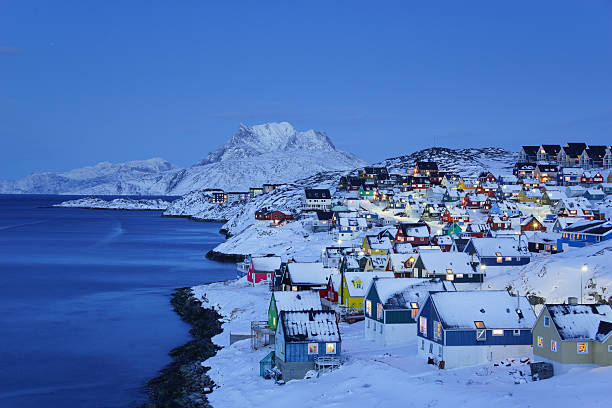 Nuuk ciudad antigua de penumbra - foto de stock