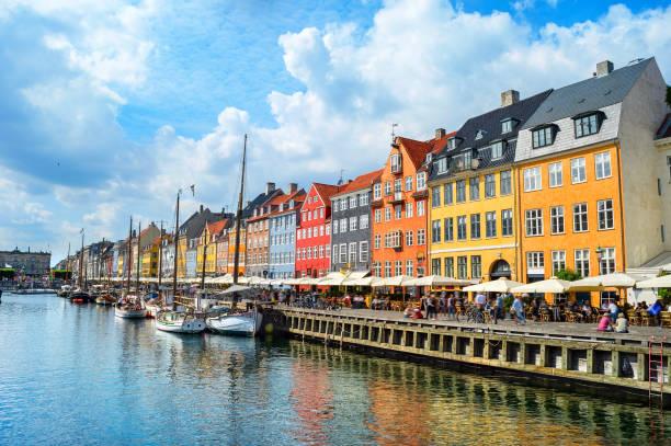 nyhavn vallen i solsken, copenhagen - öresundsregionen bildbanksfoton och bilder