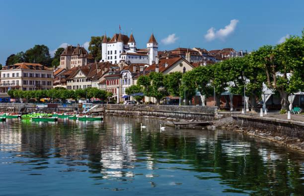 Remblai de Nyon - Suisse - Photo