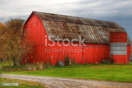 Oak Road Barber Barn II