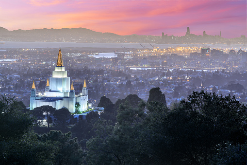 istock Oakland Temple and City from Oakland Hills. 918015130