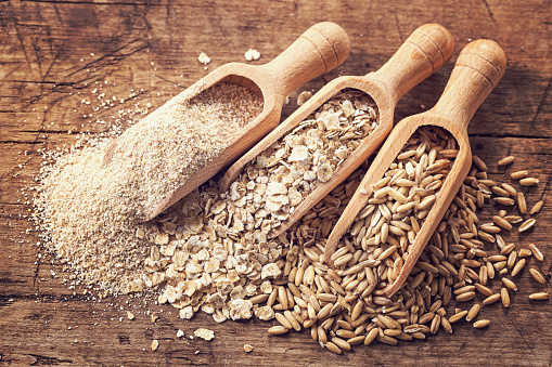 Sementes De Aveia E Flocos De Farelo - Fotografias de stock e mais imagens de Alimentação Saudável