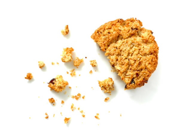 oatmeal cookie with crumbs - briciola foto e immagini stock