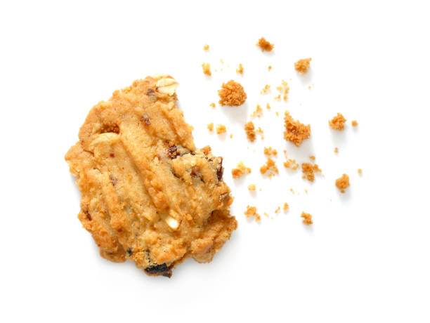 oatmeal cookies with raisins and cashew nuts with crumbs - briciola foto e immagini stock