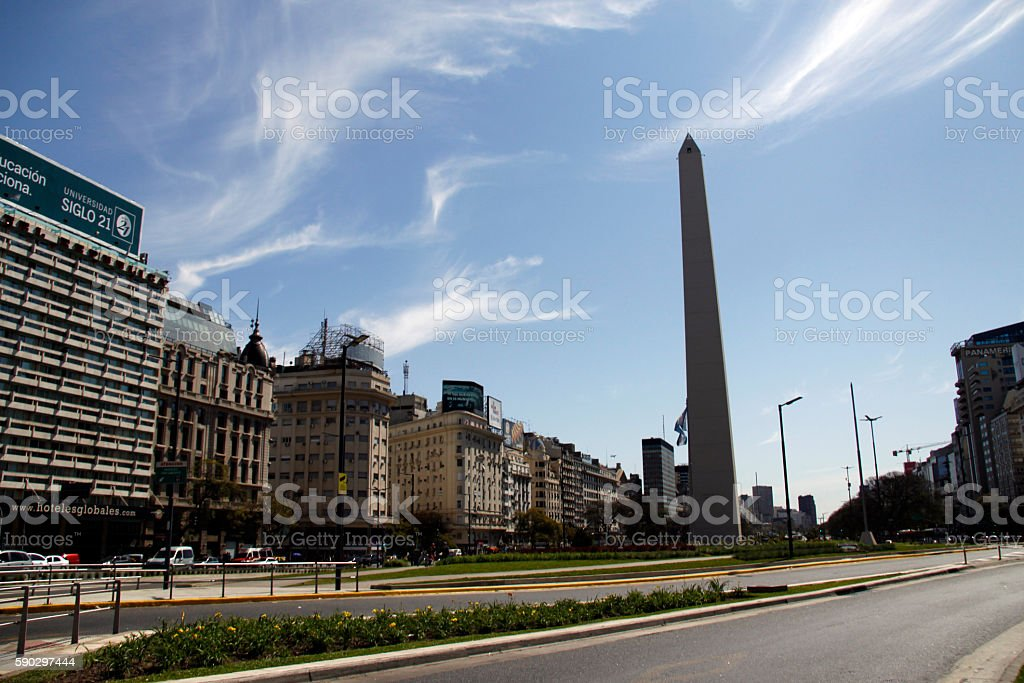 obelisk in Buenos Aires royaltyfri bildbanksbilder