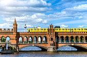 istock Oberbaum Bridge in Berlin, Germany 629384282