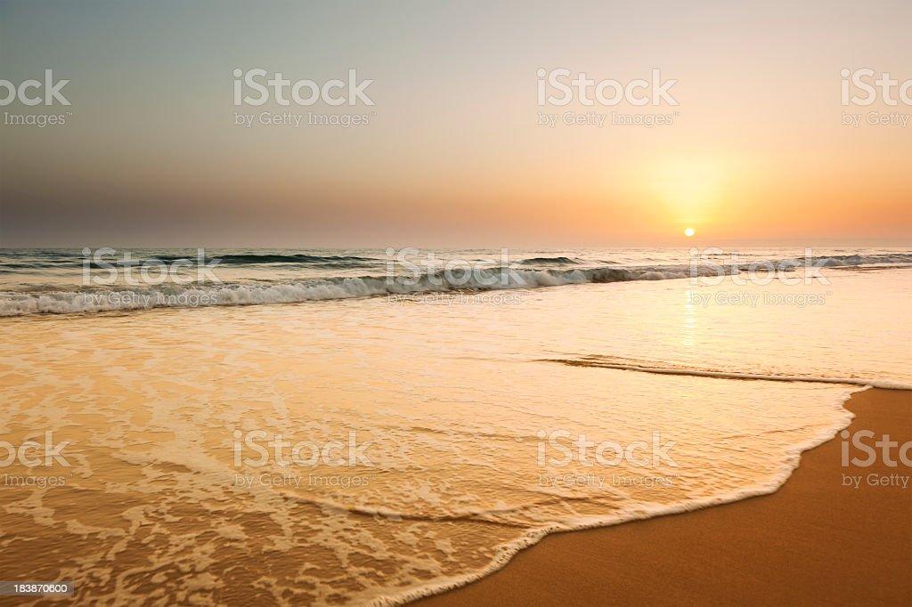 Sonnenuntergang am Strand – Foto