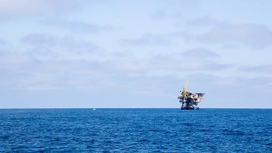 Oceaan Booreiland Stockfoto en meer beelden van Bewolkt