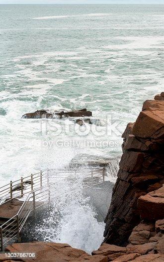istock Ocean Spray at Thunder Hole in Acadia National Park 1303766706