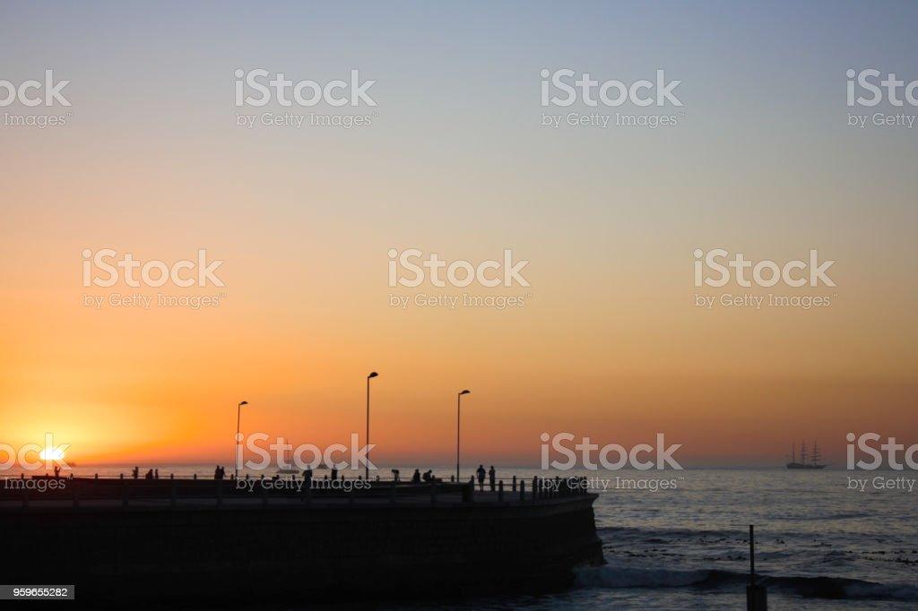 Atardecer del océano cerca de ciudad del cabo - Foto de stock de Acabar libre de derechos