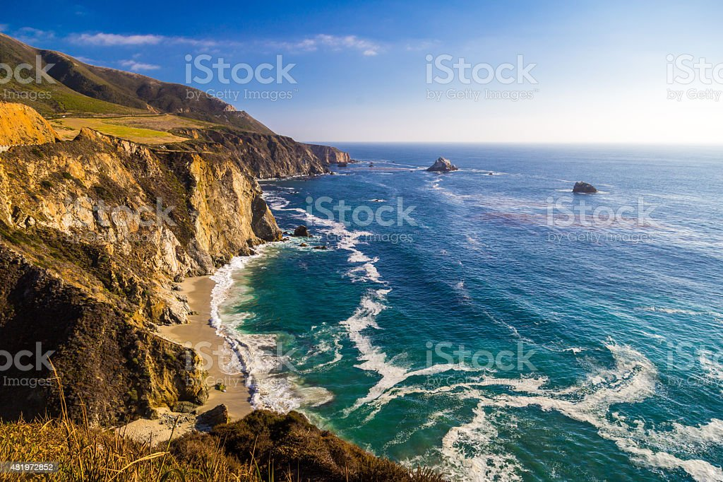 Vista al mar, cerca de puente de Bixby Creek de Big Sur, California - foto de stock