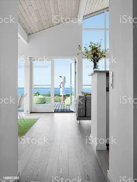 Ocean view picture id158632384?b=1&k=6&m=158632384&s=612x612&h=utwlcfhdgylps5iomezjwhrrwwlh ompq2ezpp3dpaw=