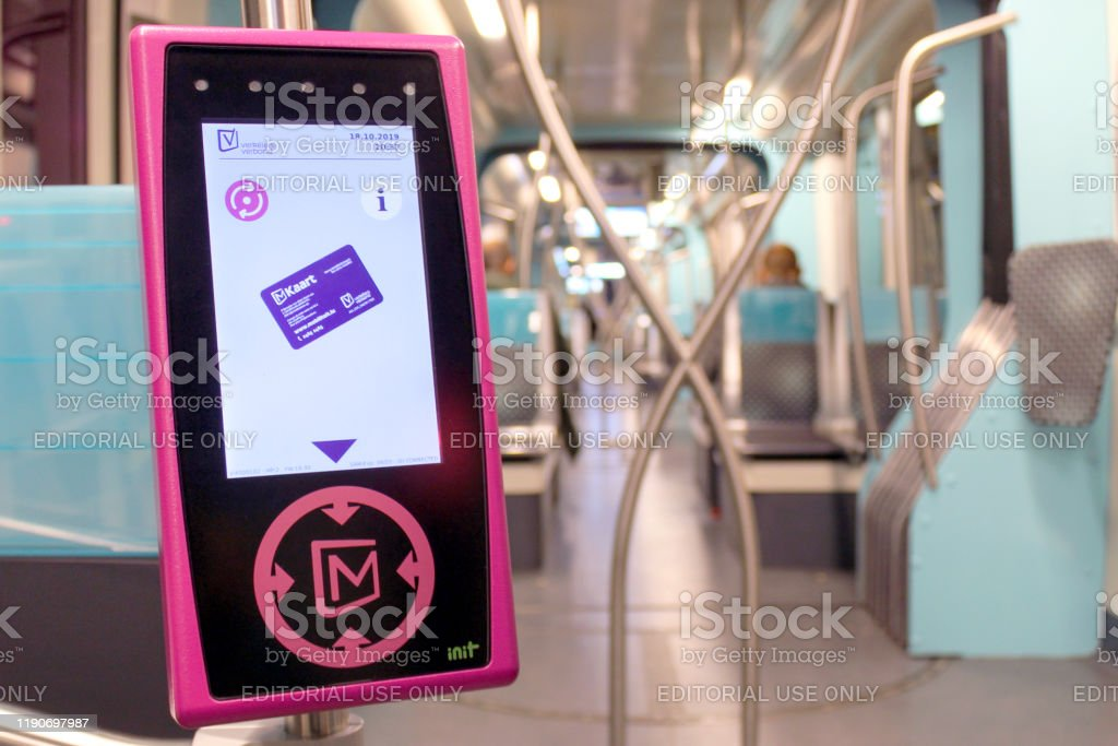 18 Oct 2019, Luxembourg - digital ticket card reader inside the tram in the capital of Luxembourg. - Foto stock royalty-free di Attrezzatura