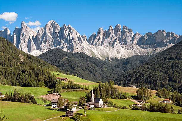 odle, val di funès, sudtirol, italia - dolomiti foto e immagini stock