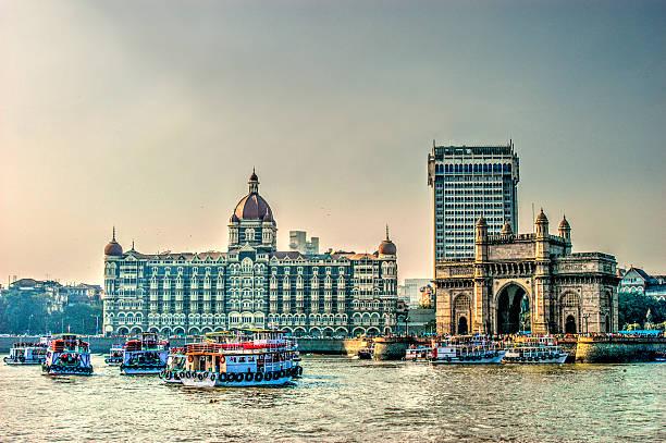 hdr of gate way of india and tajmahal hotel - mumbai stockfoto's en -beelden