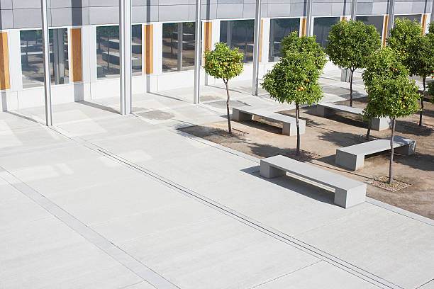 Office building courtyard  courtyard stock pictures, royalty-free photos & images