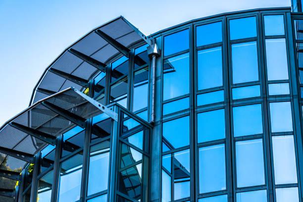 kontors byggnad - fönsterrad bildbanksfoton och bilder