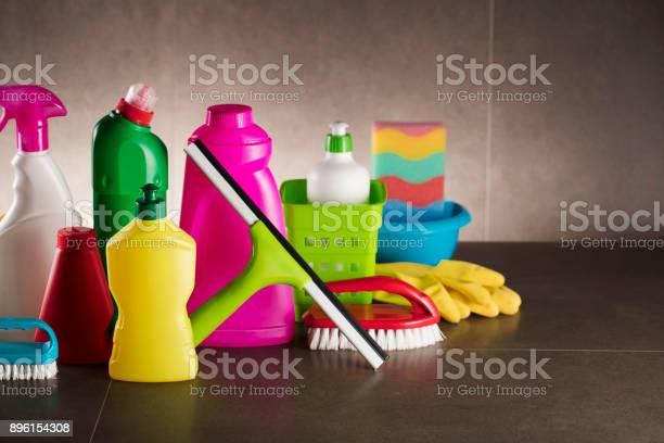 Office cleaning picture id896154308?b=1&k=6&m=896154308&s=612x612&h=tscds22eynkgocmkzdvxvsldgexggc7dpa3 fqhv50u=