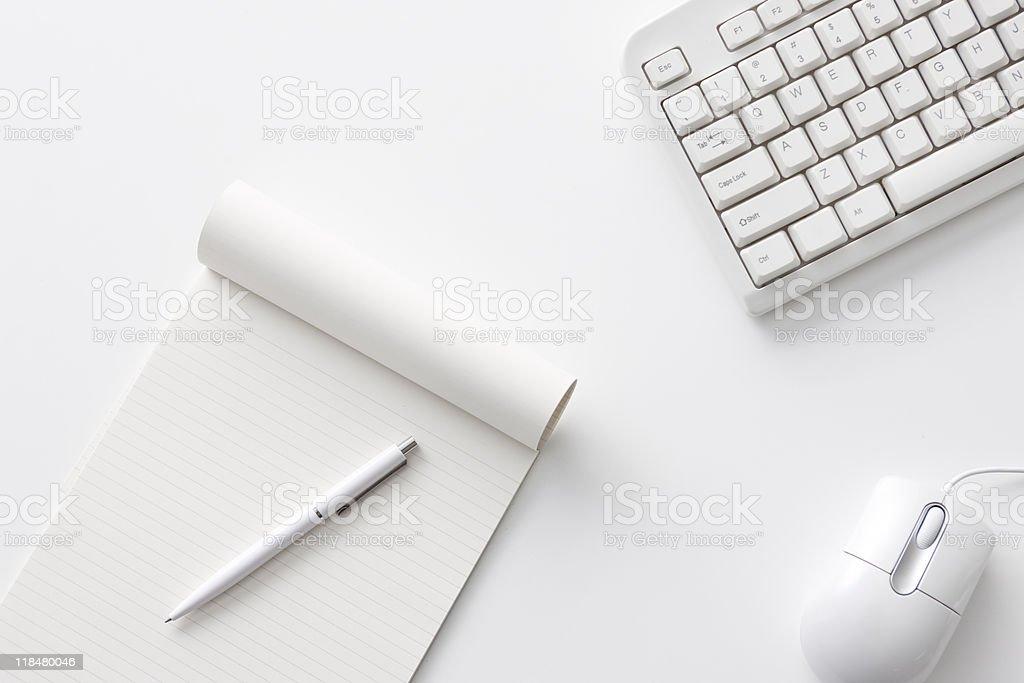 Büro-Schreibtisch – Foto