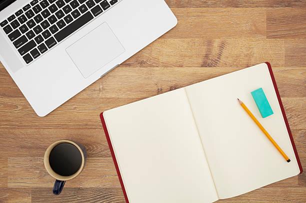 büro-schreibtisch - einfache holzprojekte stock-fotos und bilder