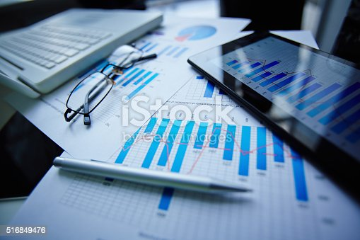 istock Office objects 516849476