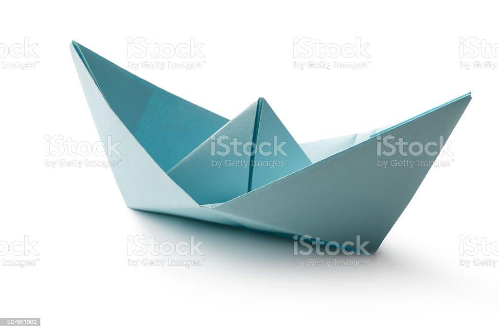 Escritório : Barco de Papel isolado no fundo branco - foto de acervo